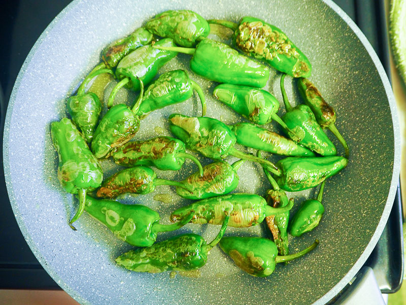 Padrón peppers recipe