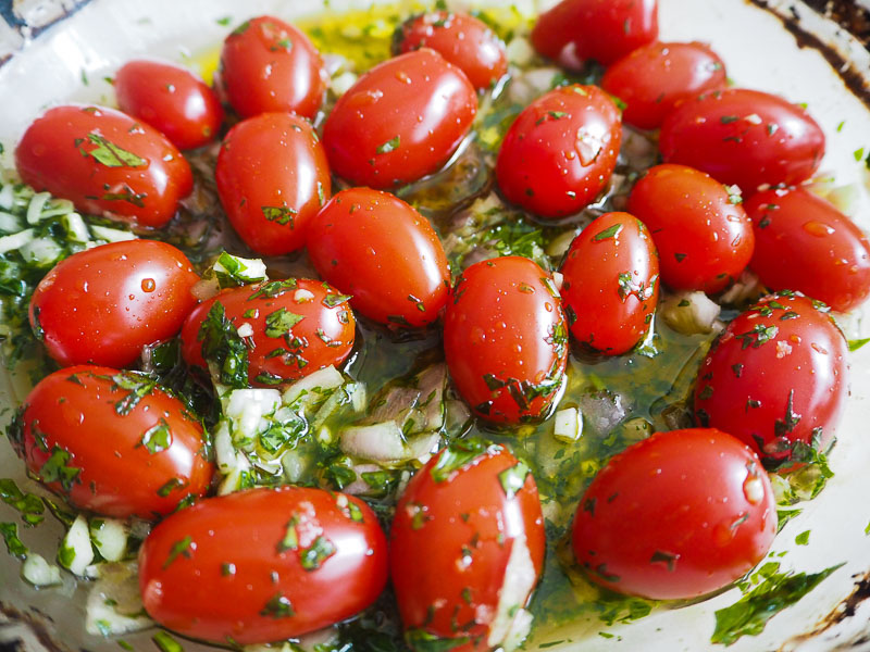 Parsley and garlic tomato recipe