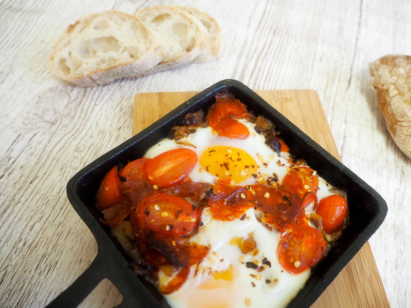 Baked eggs and chorizo, brunch recipe, brunch, foodie for thought